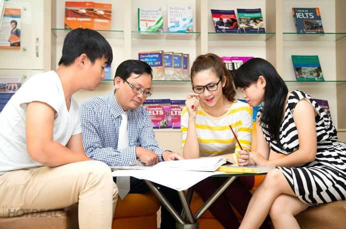 Học nhóm tại trung tâm